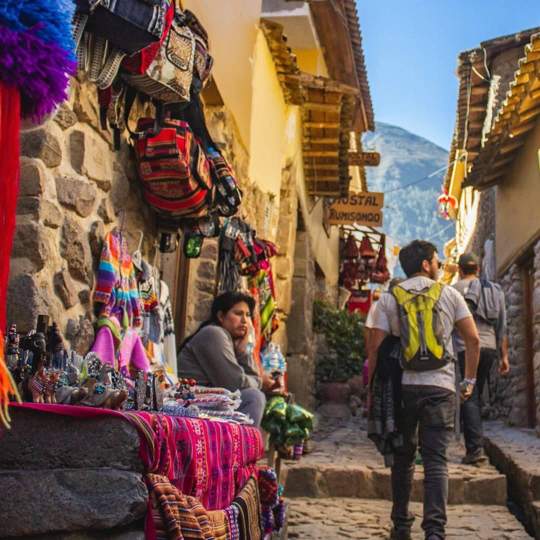 Custom-Travel-Planner-Network-3-Peru-Cusco-Market-