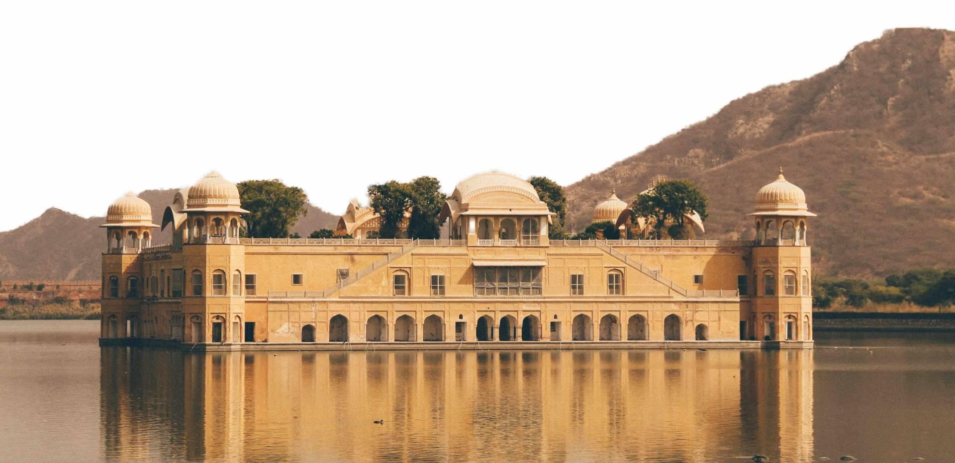 Custom-Travel-Planner-Network-India-Jaipur-