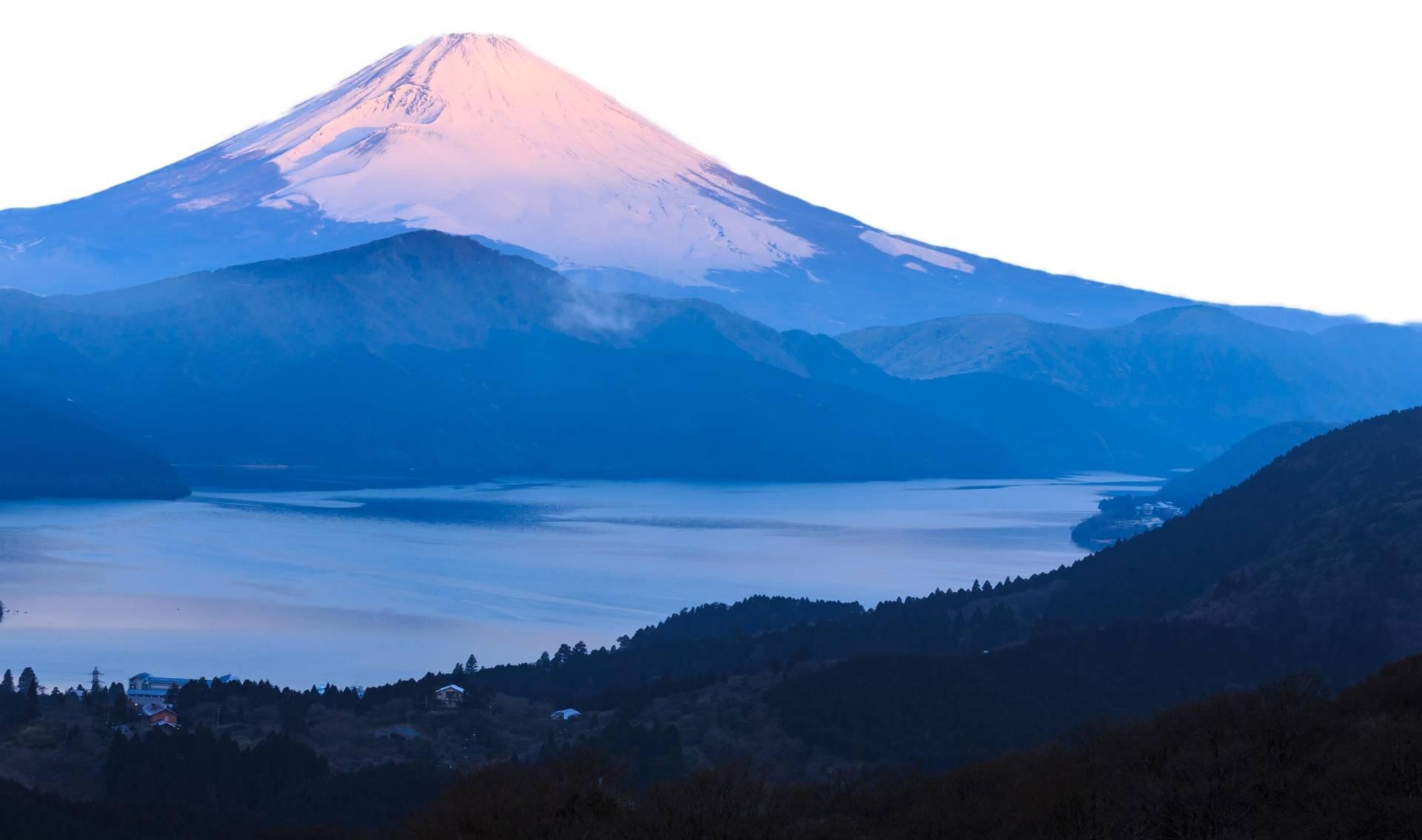 Custom-Travel-Planner-Network-Japan-Fuji-View