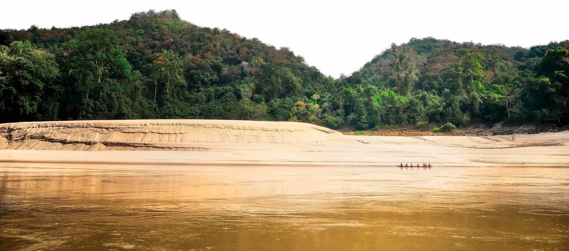 Custom-Travel-Planner-Network-Laos-Mekong