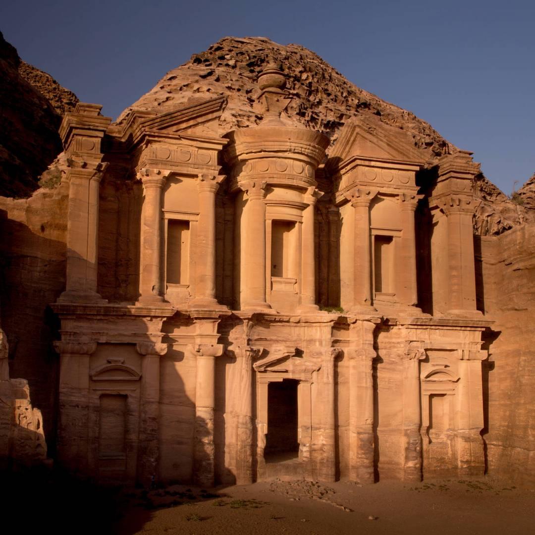 Custom-Travel-Planner-Network-1-SM-Jordan-Petra