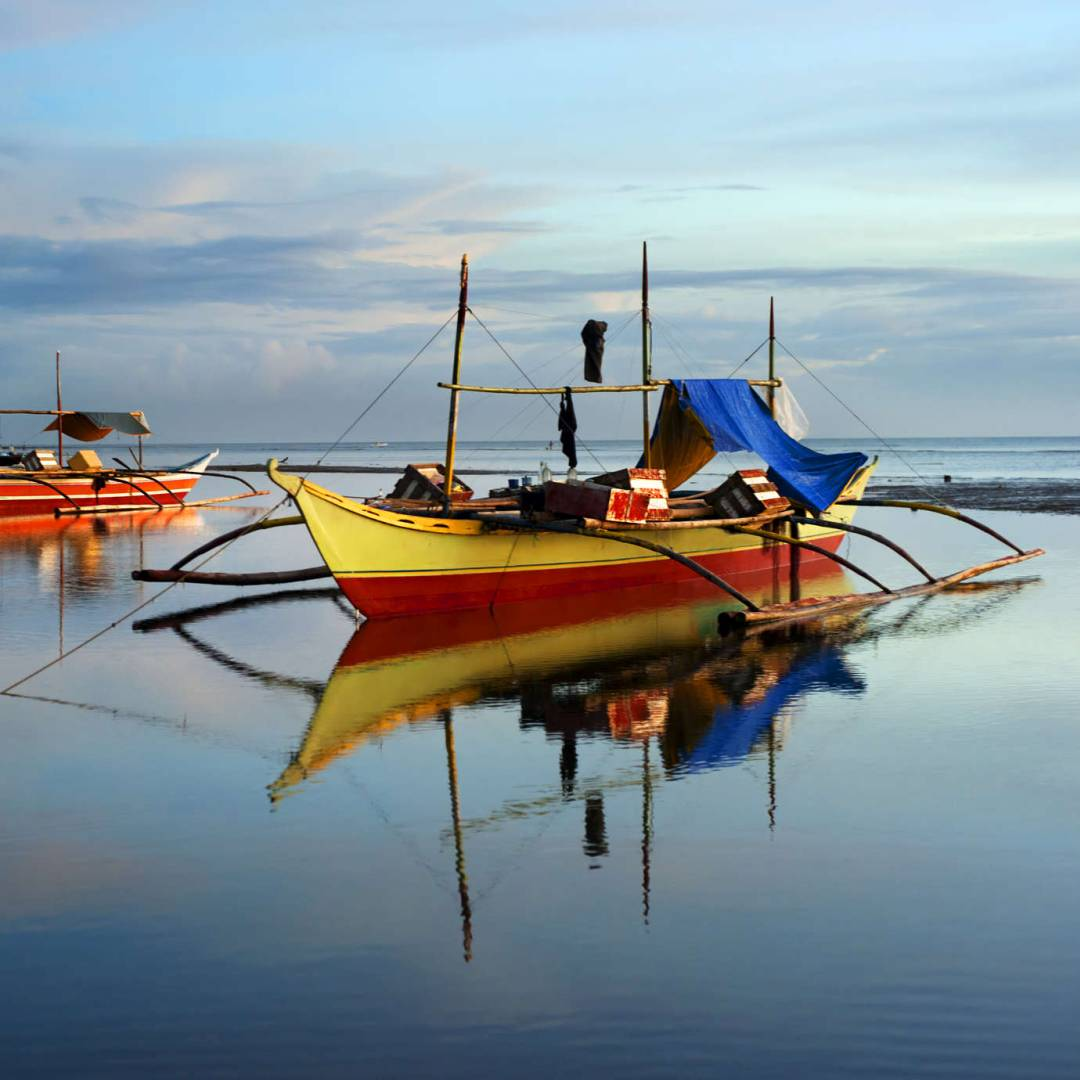 Custom-Travel-Planner-Network-4-Philippines-Bangka-fishing-boat