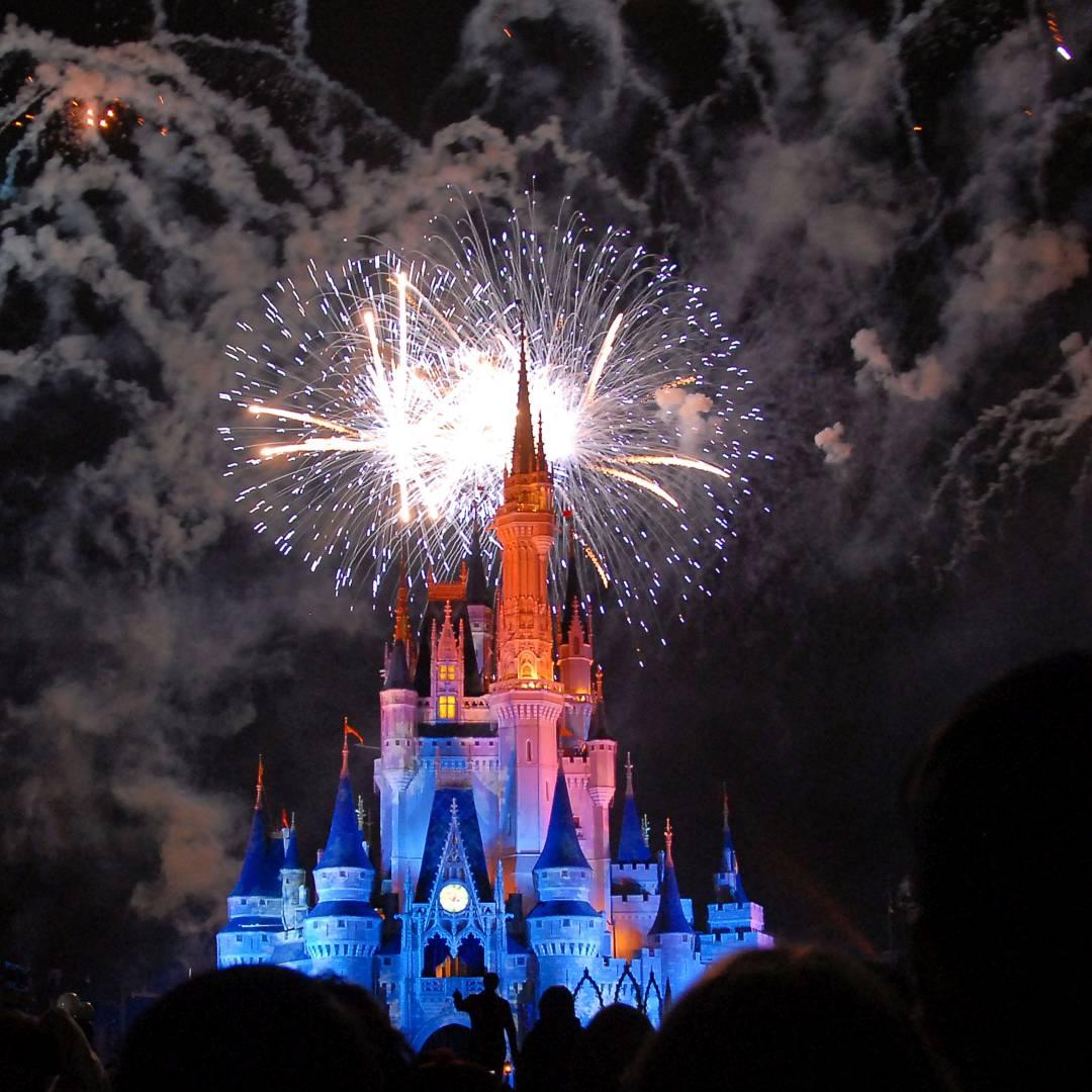 Custom-Travel-Planner-Network-2-Disney-Fireworks-MK-Orlando
