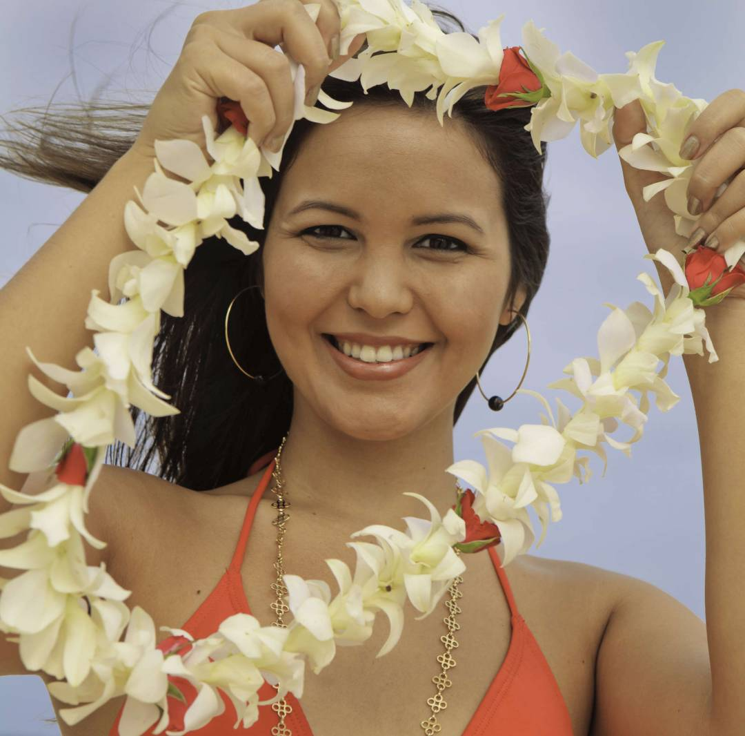 Custom-Travel-Planner-Network-2-SM-Hawaii-Leis