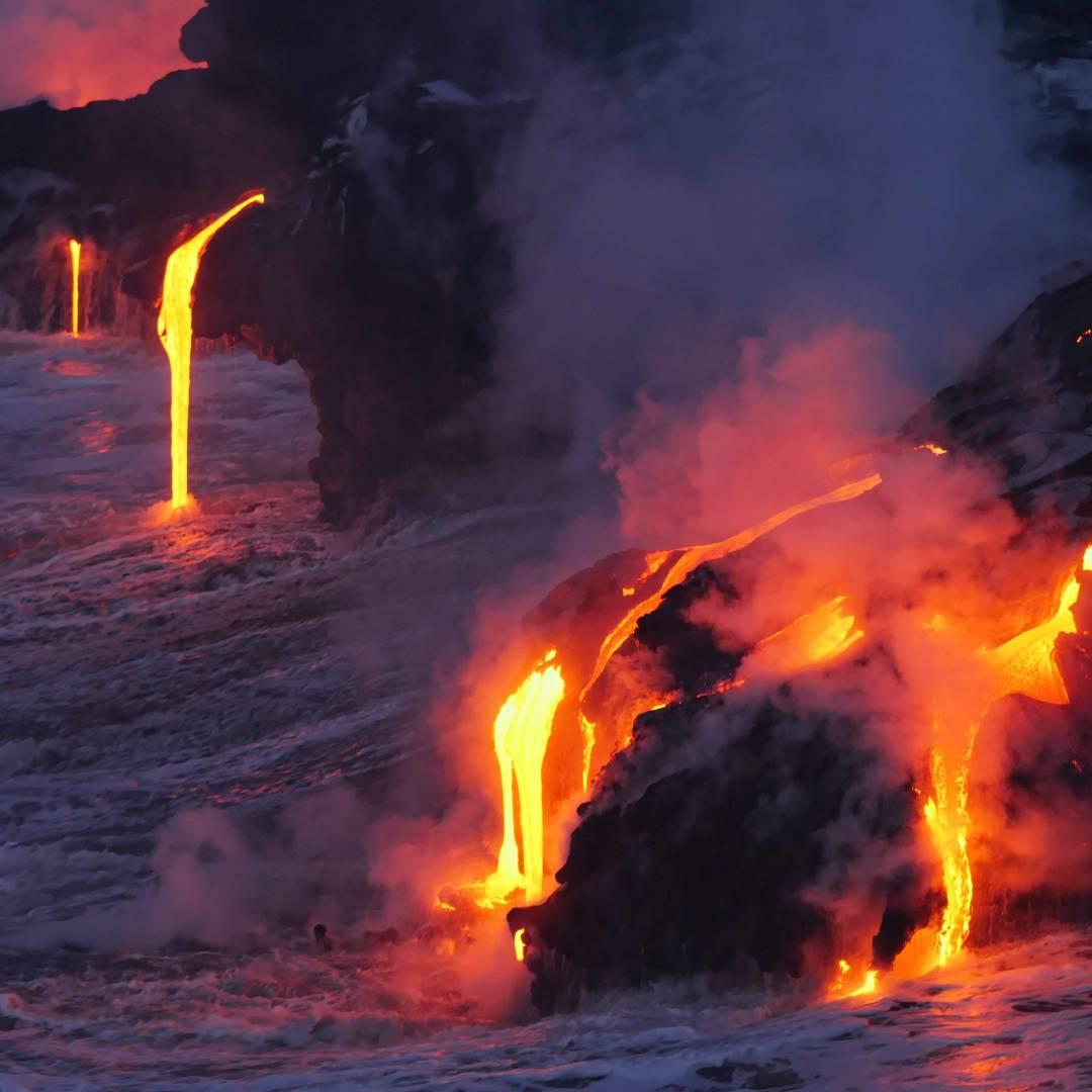 Custom-Travel-Planner-Network-6-SM-Hawaii-Kilauea-Lava-Flow