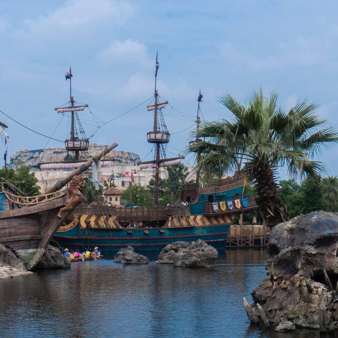 Custom-Travel-Planner-Network-9-Disney-Pirates-of-the-Caribbean-