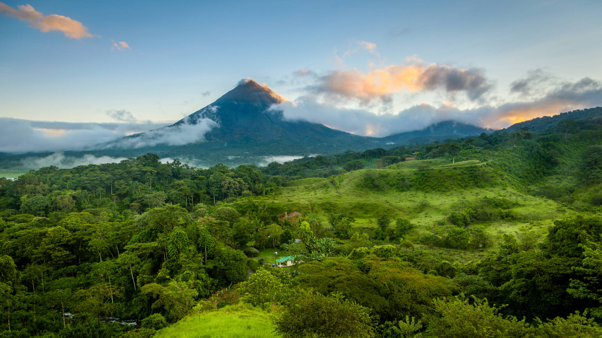 Custom Travel Planner Network-Costa Rica-Arenal Volcano
