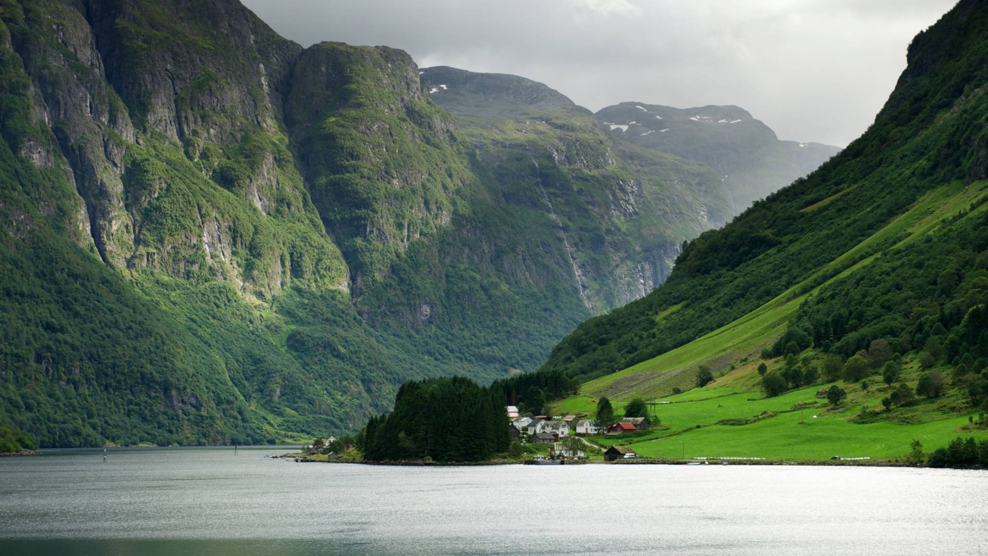 Custom Travel Planner Network-Norway-Scenic Fjord