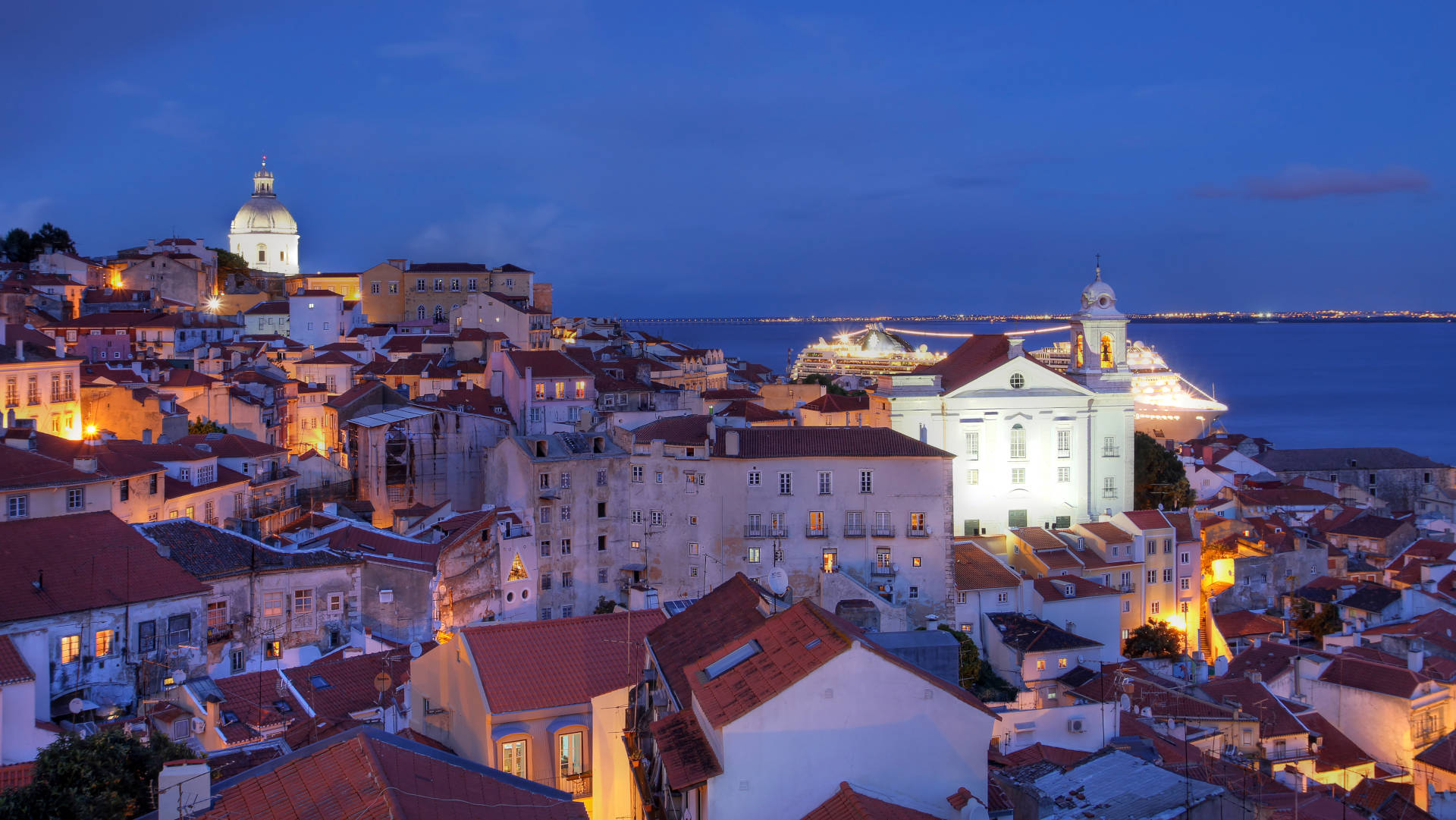 Custom Travel Planner Network-Portugal-Lisbon-Alfama