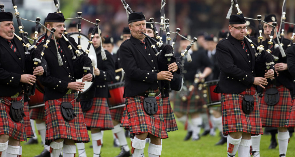 Custom Travel Planner Network-Scotland-Bagpipers