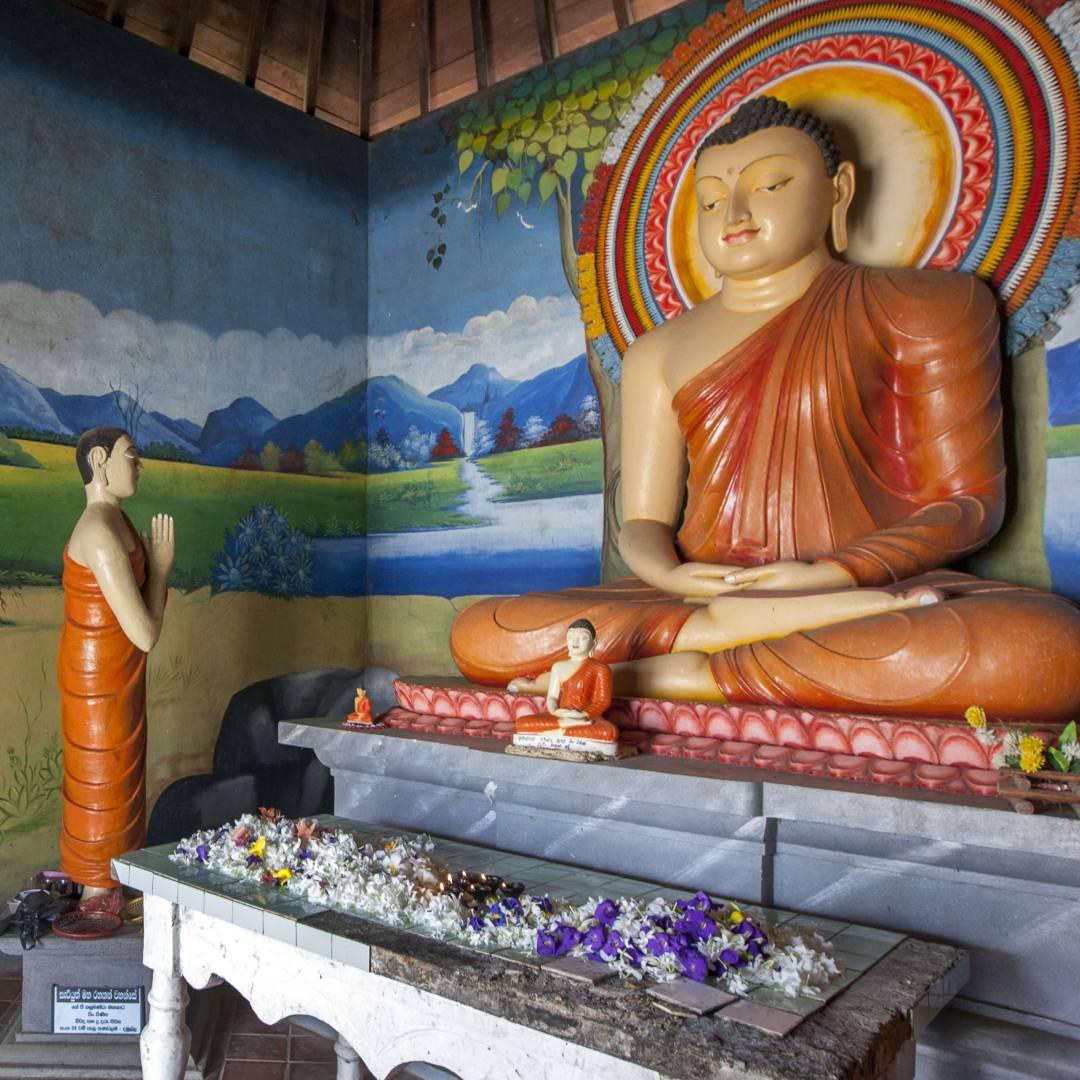 Custom-Travel-Planner-Network-5-SM-Sri-Lanka-Pidurangala-Buddhist-Temple