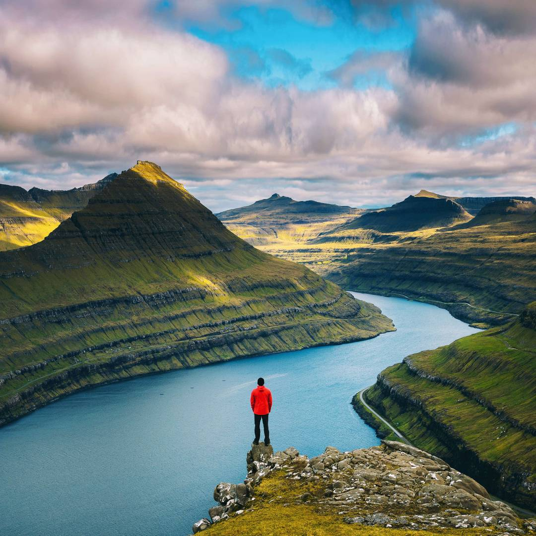 Custom-Travel-Planner-Network-1-Faroe-Islands-Funningur-Hiker-