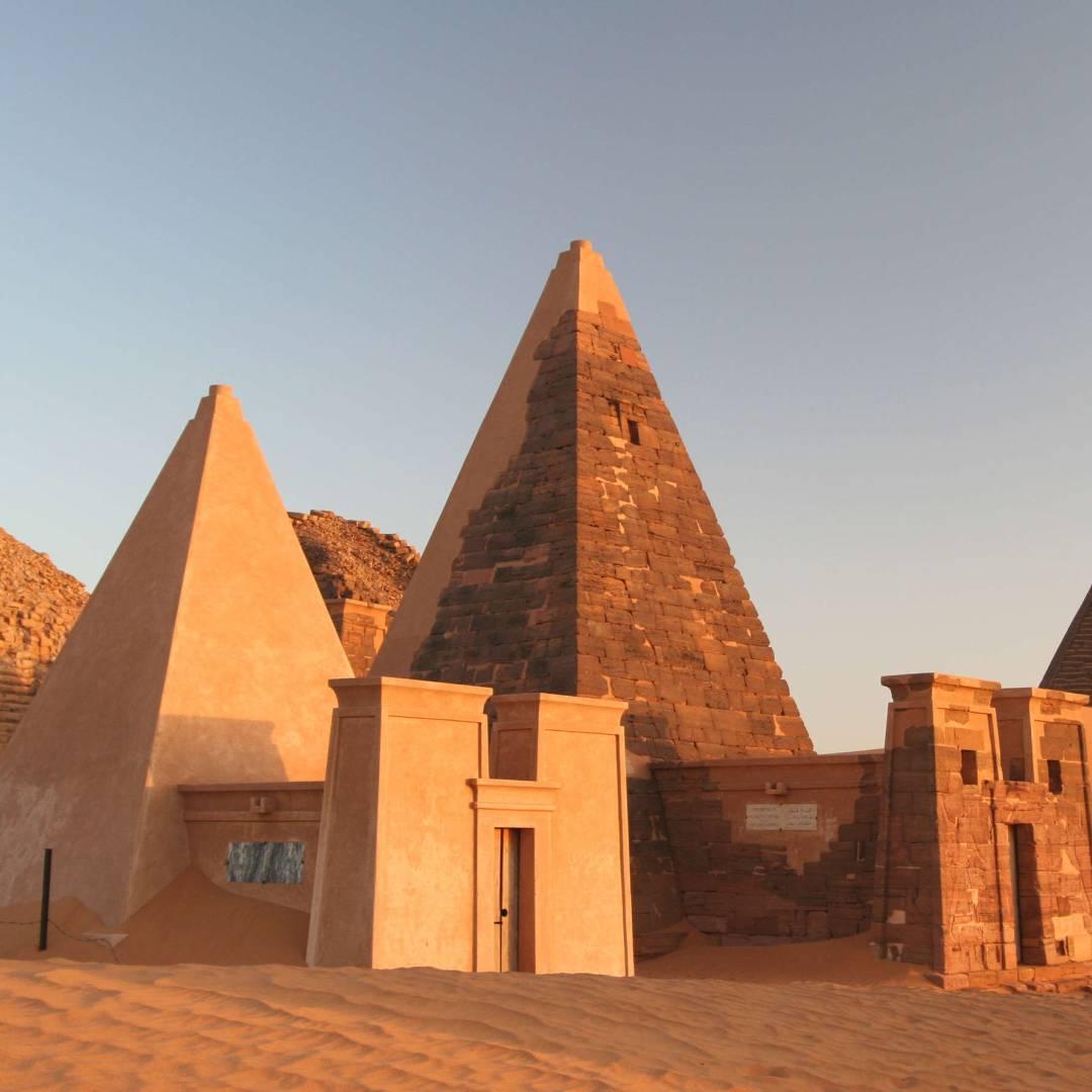 Custom-Travel-Planner-Network-3-Africa-Sudan-Meroe-Pyramids