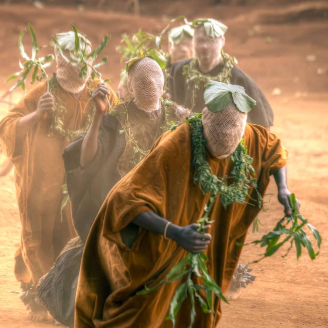 Custom-Travel-Planner-Network-4-Africa-Cameroon-Babungo-Kingdom-Traditional-Dance