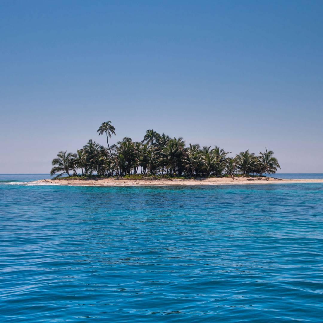 Custom-Travel-Planner-Network-4-Honduras-Cayos-Cochinos-Island
