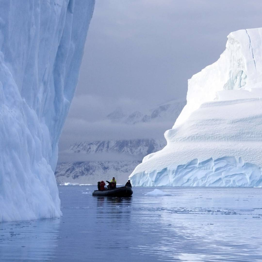 Custom-Travel-Planner-Network-5-Greenland-Scoresbysund-Tourists
