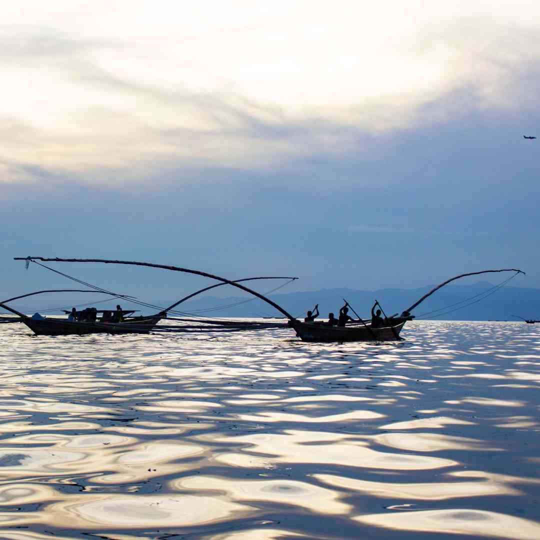 Custom-Travel-Planner-Network-6-SW-Rwanda-Lake-Kivu-Fishermen