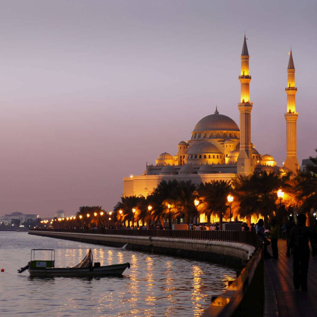 Custom-Travel-Planner-Network-7-UAE-Lake-Al-noor-Mosque