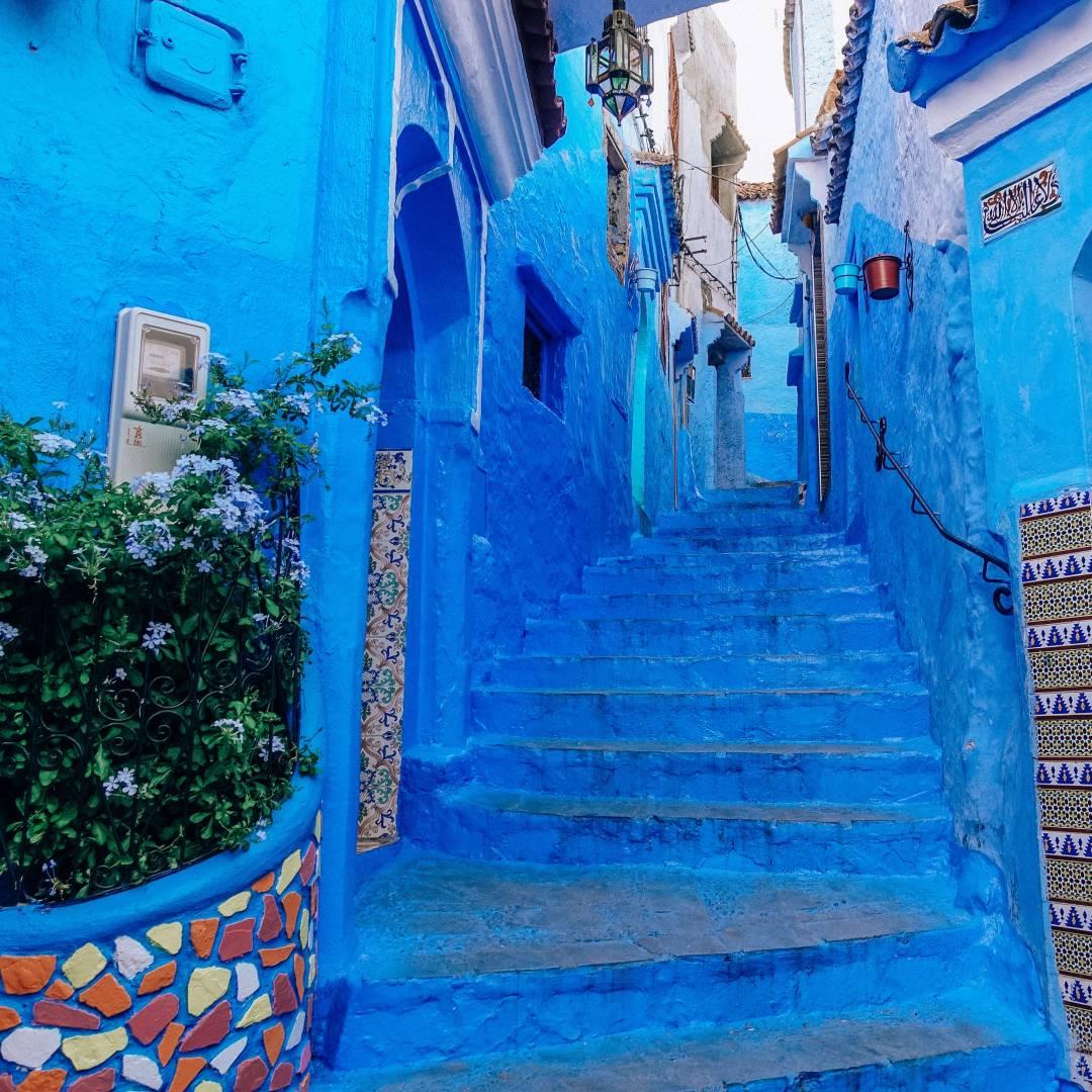 Custom-Travel-Planner-Network-9-SM-Morocco-Blue-Stairway