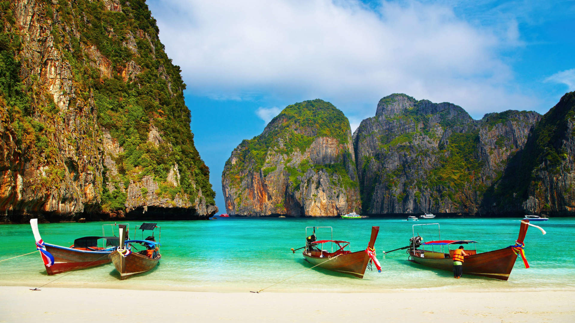 Custom-Travel-Planner-Network-Thailand-Phi-Phi-Beach