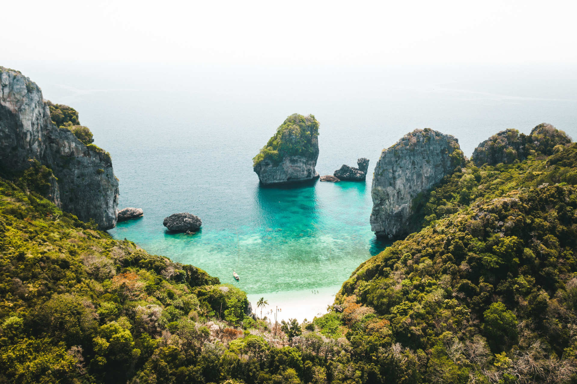 Custom-Travel-Planner-Network-Thailand-Phi-Phi-Islands-Krabi