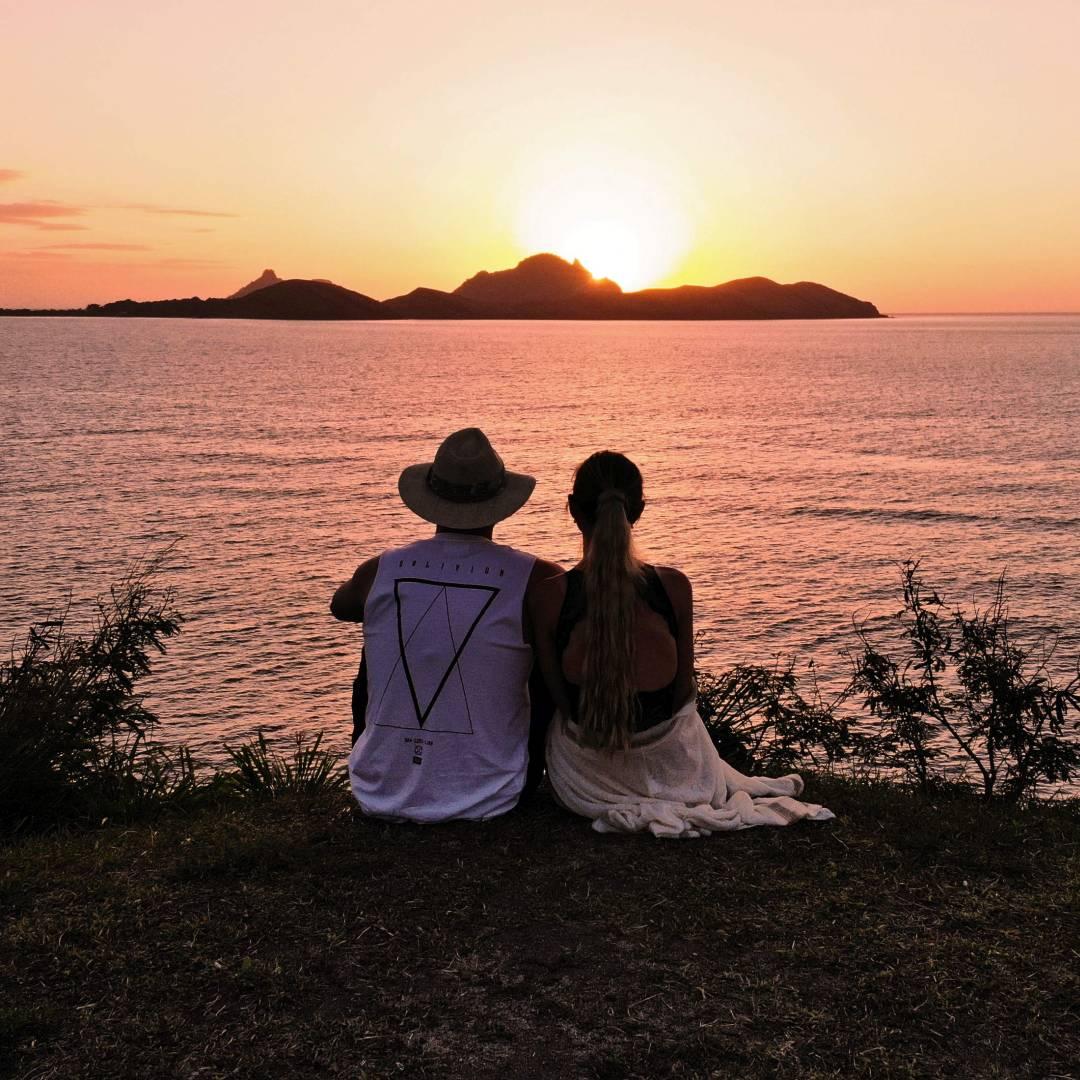Custom-Travel-Planner-Network-1-Fiji-Sunset-Watch-Tokoriki-Island