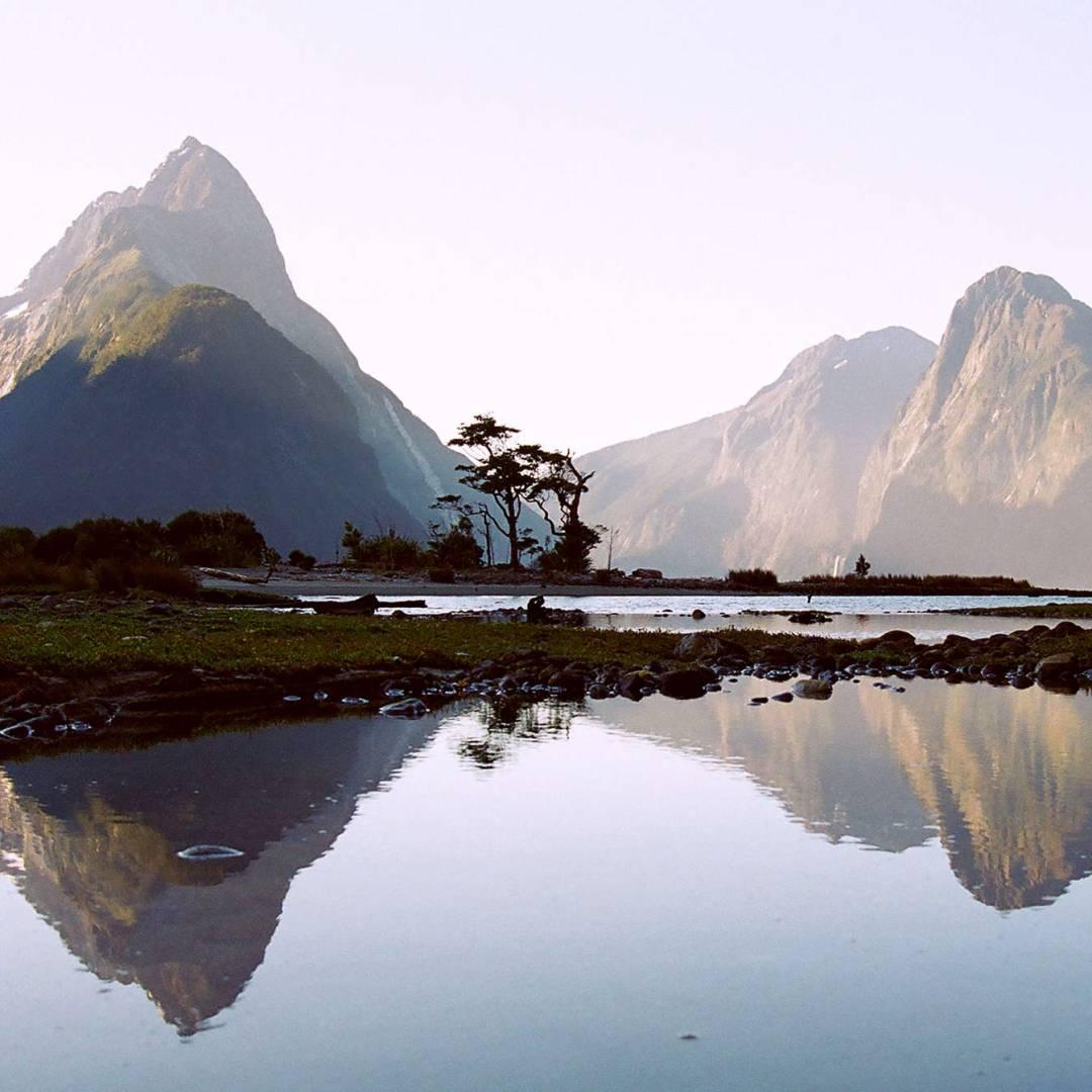 Custom-Travel-Planner-Network-1-New-Zealand-Milford-Sound