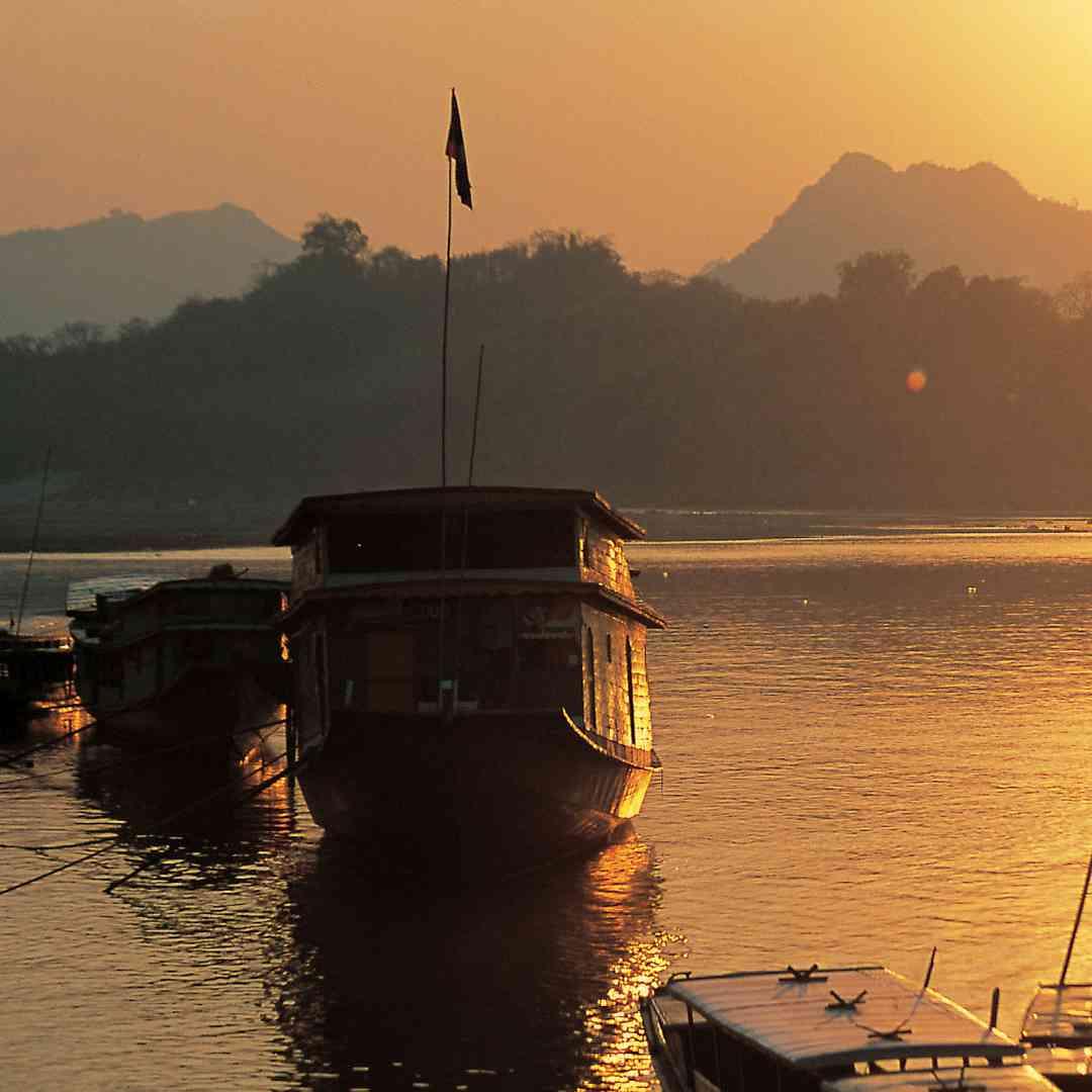 Custom-Travel-Planner-Network-1-SM-Laos-Pak-Ou-Boat-Mekong