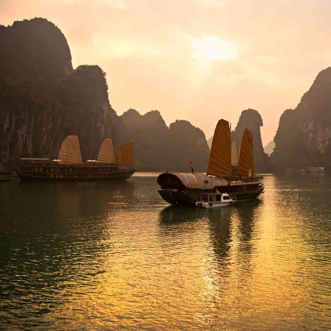 Custom-Travel-Planner-Network-1-SM-Vietnam-Sail-Ha-Long-Bay