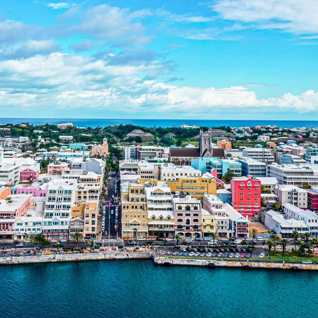 Custom-Travel-Planner-Network-10-SM-Bermuda-Front-Street-Hamilton