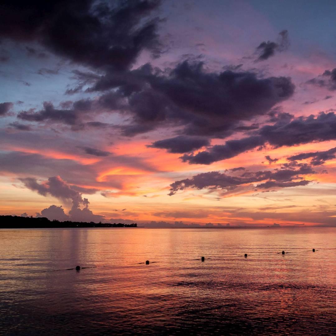Custom-Travel-Planner-Network-8-Caribbean-Jamaica-Negril-Sunset-