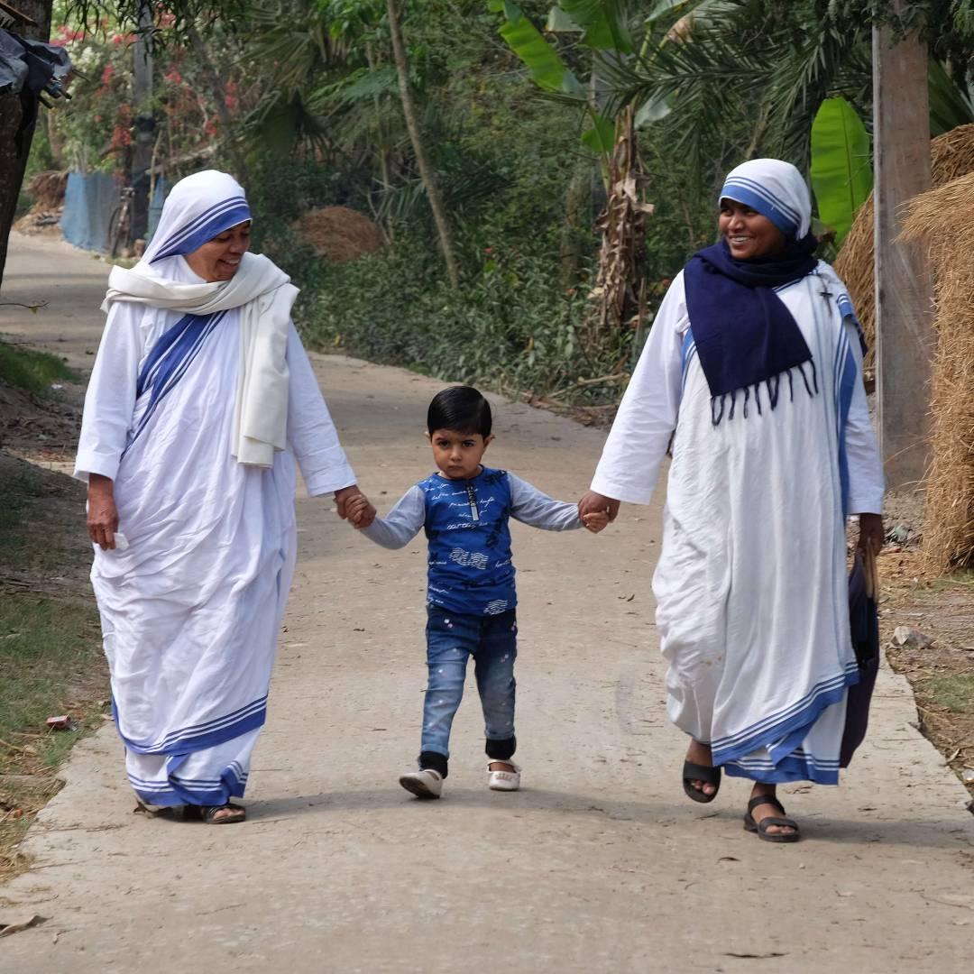 Custom-Travel-Planner-Network-9-India-Mother-Teresa-Nuns