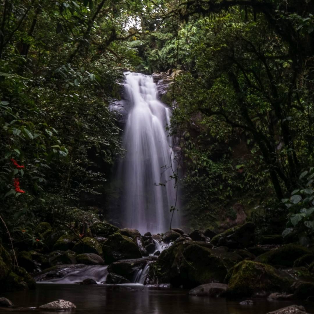 Custom-Travel-Planner-Network-9-Panama-Trek-of-the-Lost-Waterfalls