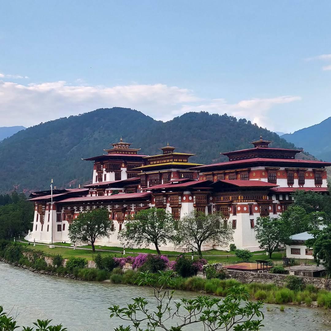 Custom-Travel-Planner-Network-9-SM-Bhutan-Punakha