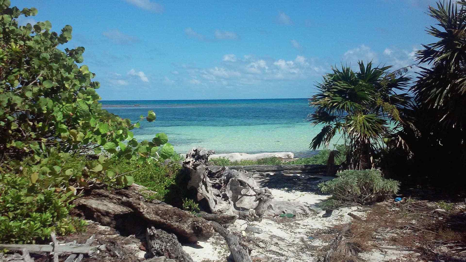 Custom-Travel-Planner-Network-Belize-beach