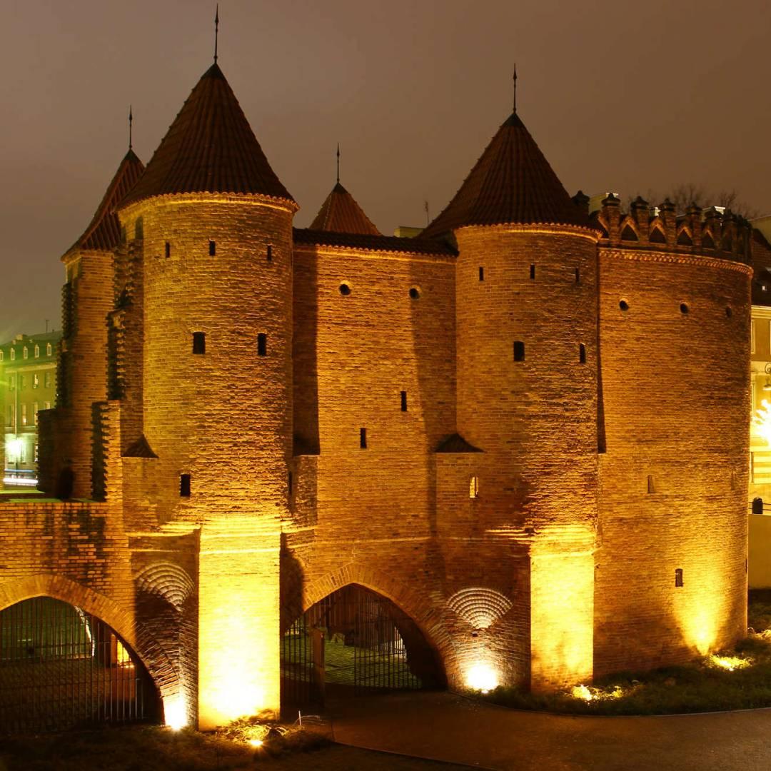 Custom-Travel-Planner-Network-1-Poland-Warsaw-Castle
