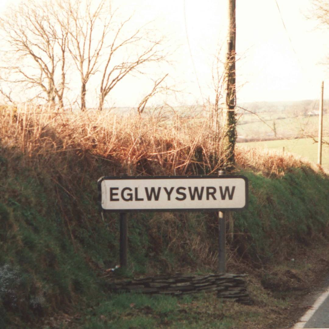 Custom-Travel-Planner-Network-1-Wales-Road-Sign
