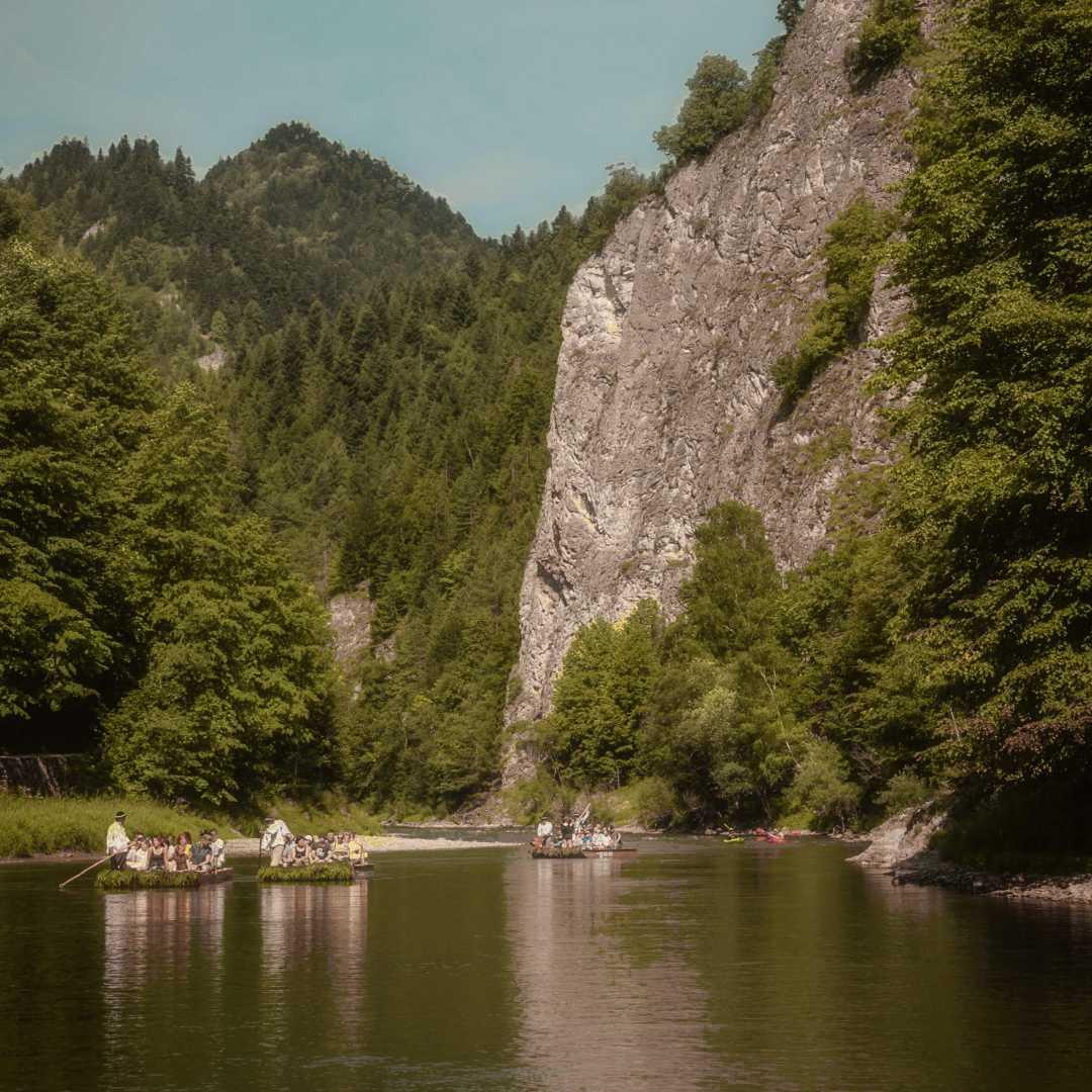Custom-Travel-Planner-Network-10-Poland-Dunajec-River-Rafting