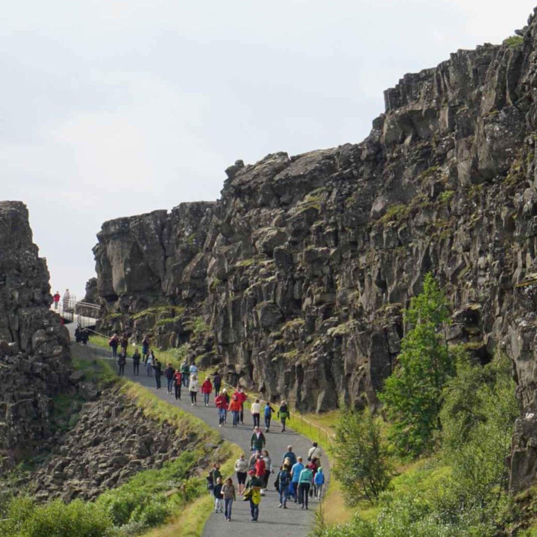 Custom-Travel-Planner-Network-10-S1-SM-Iceland-THingvellir-