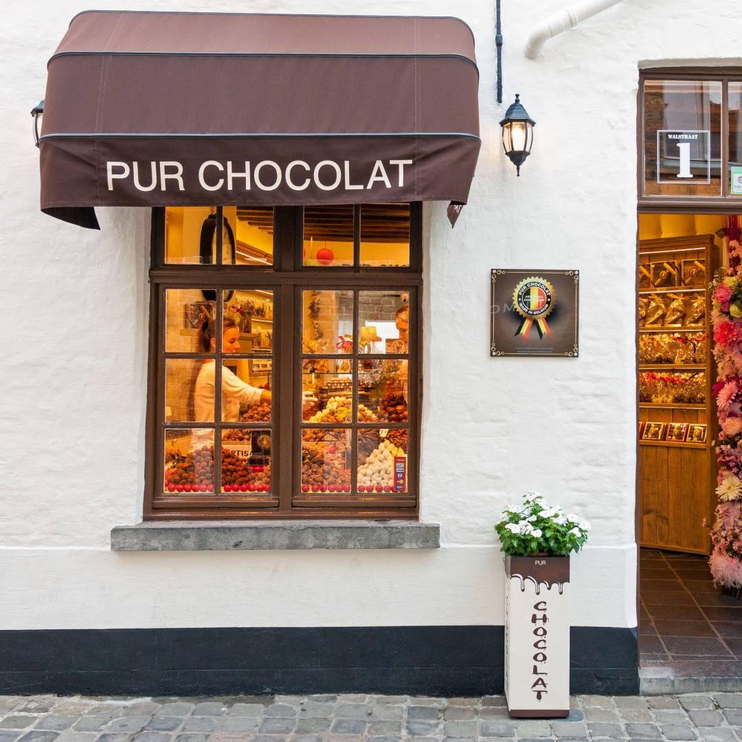 Custom-Travel-Planner-Network-2-SM-Belgium-Chocolate-