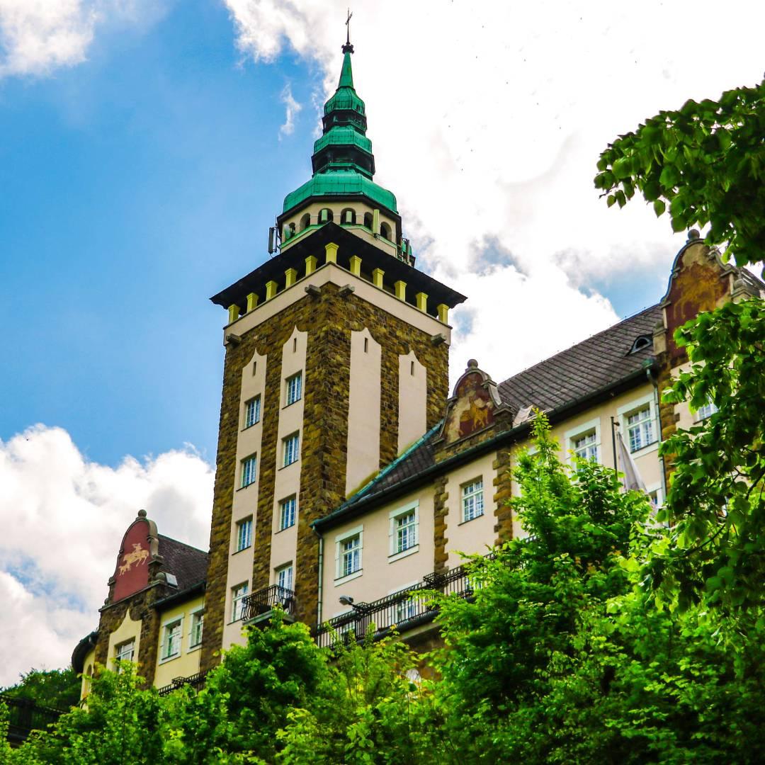 Custom-Travel-Planner-Network-4-SM-Hungary-Castle-Hotel-Palota