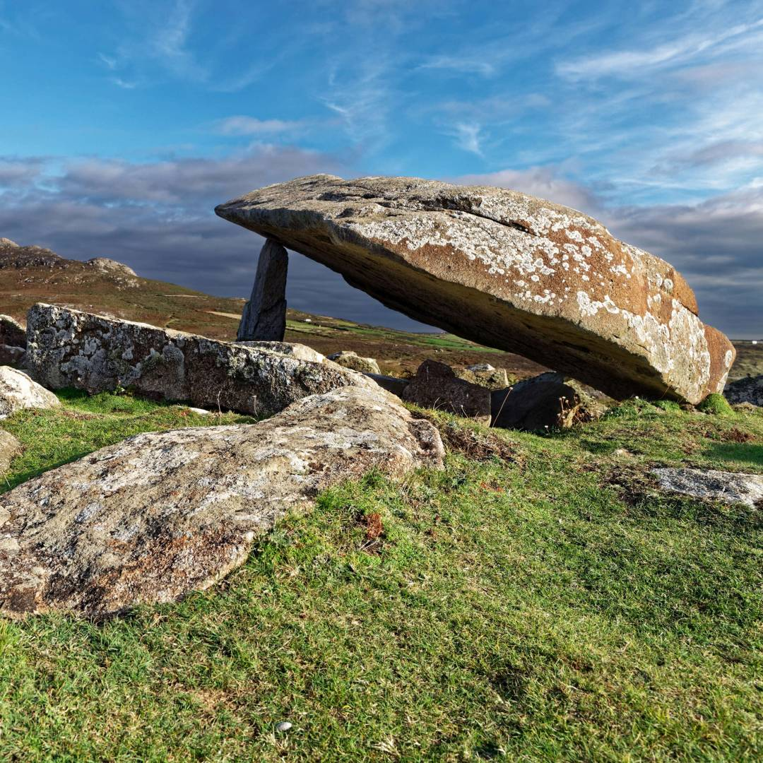 Custom-Travel-Planner-Network-4-Wales-Coetan-Arthur-dolmen