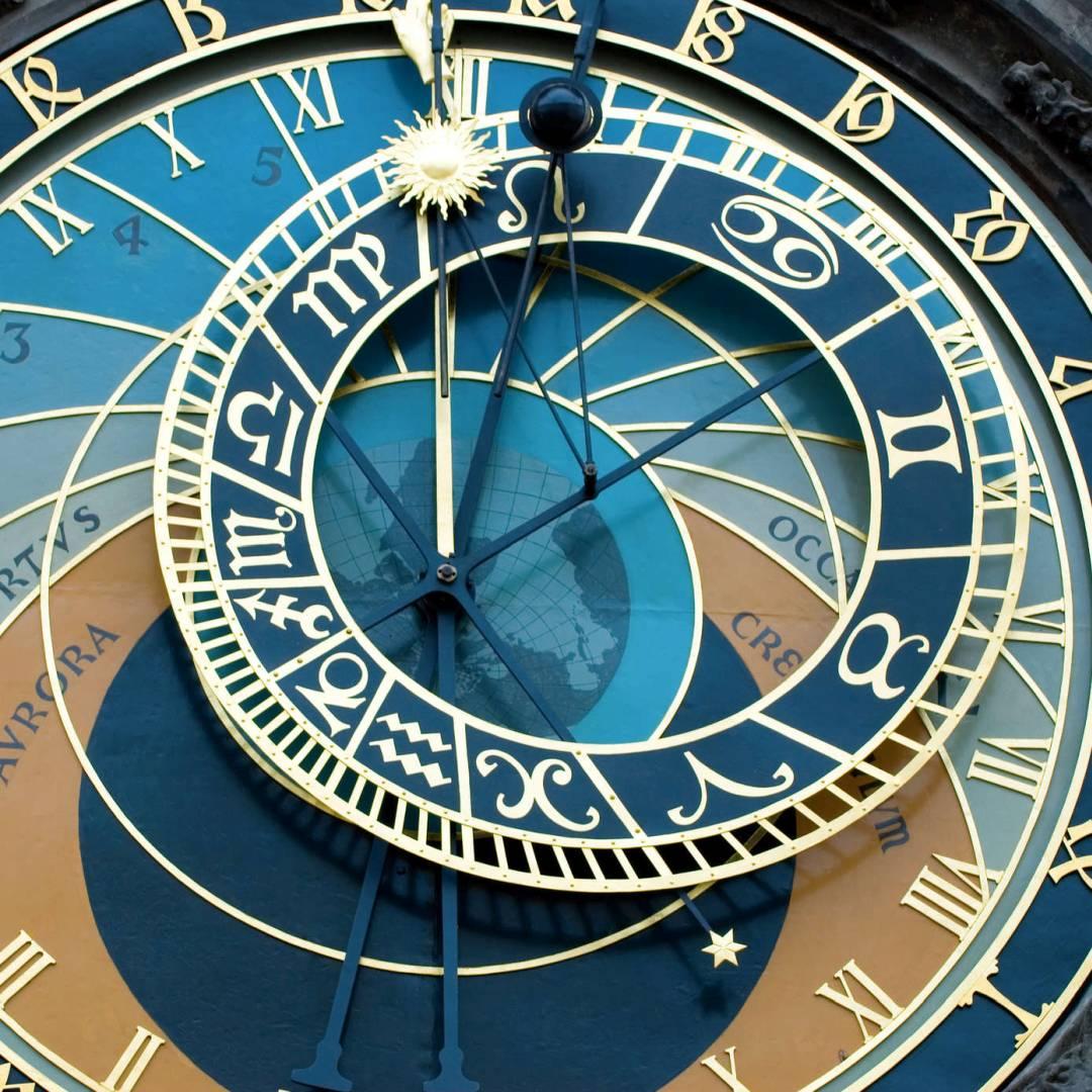 Custom-Travel-Planner-Network-5-Czech-Prague-Astronomical-Clock