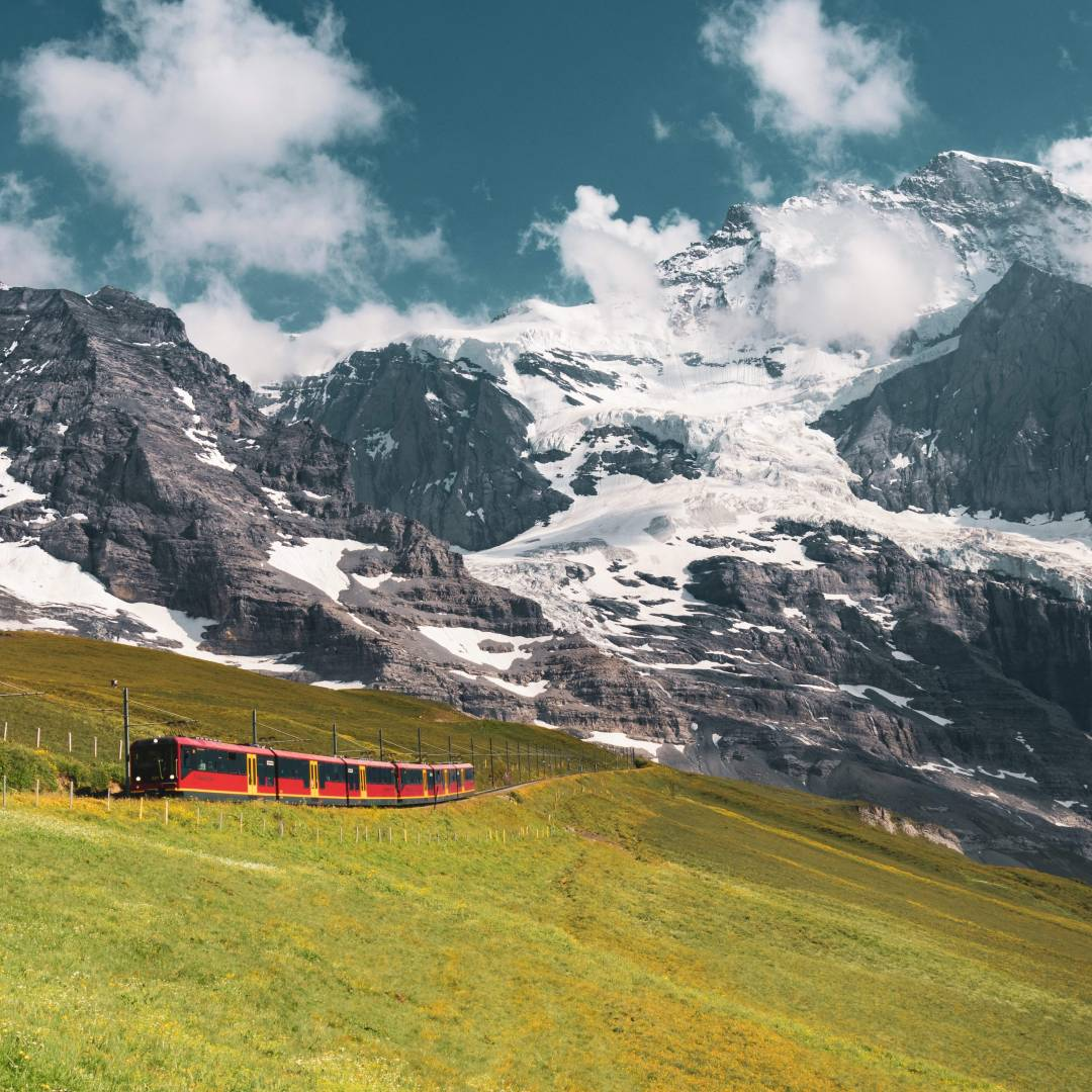 Custom-Travel-Planner-Network-5-SM-Switzerland-Jungfraujoch