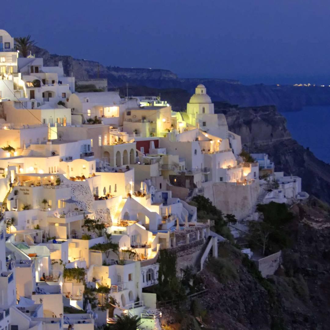 Custom-Travel-Planner-Network-6-Greece-Santorini