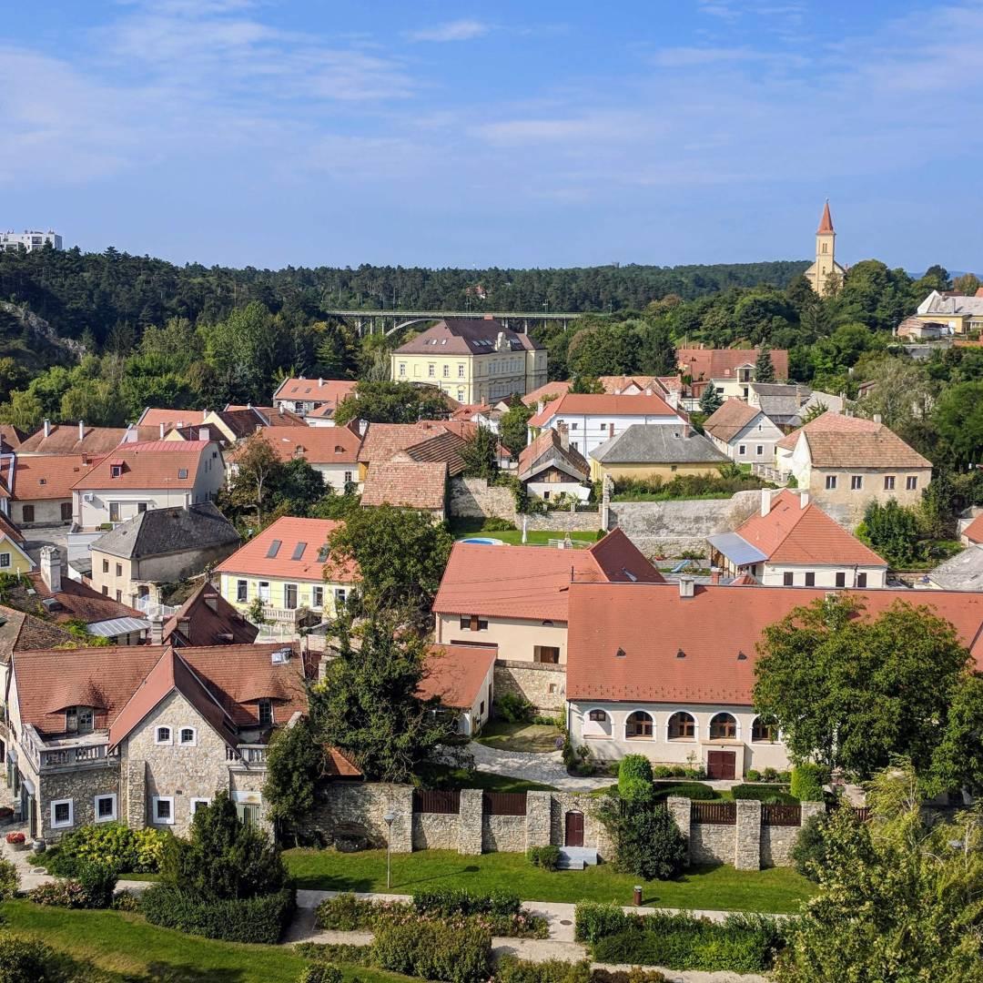 Custom-Travel-Planner-Network-6-SM-Hungary-Veszprem