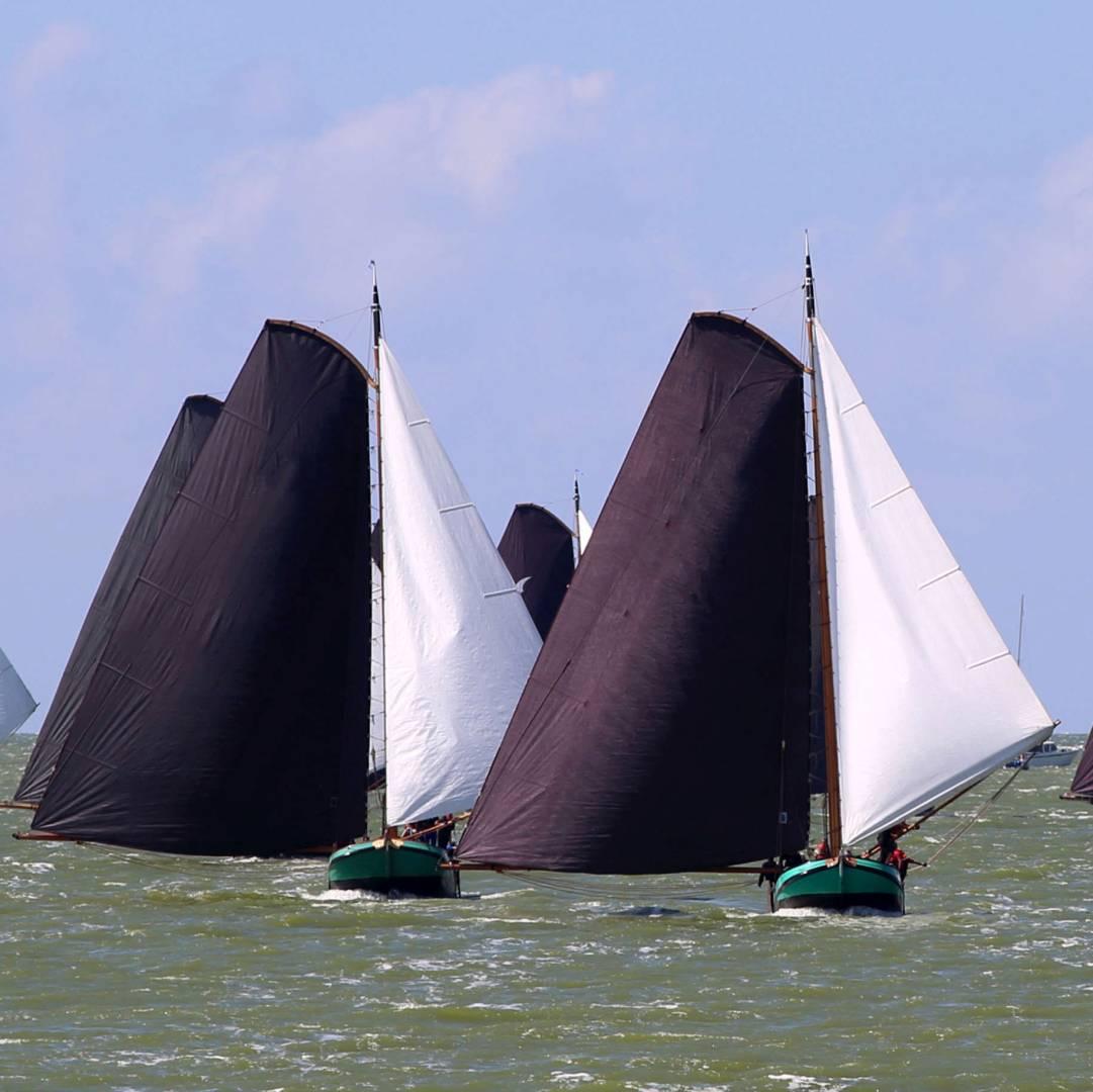 Custom-Travel-Planner-Network-7-Netherland-Frisian-Wooden-Sails