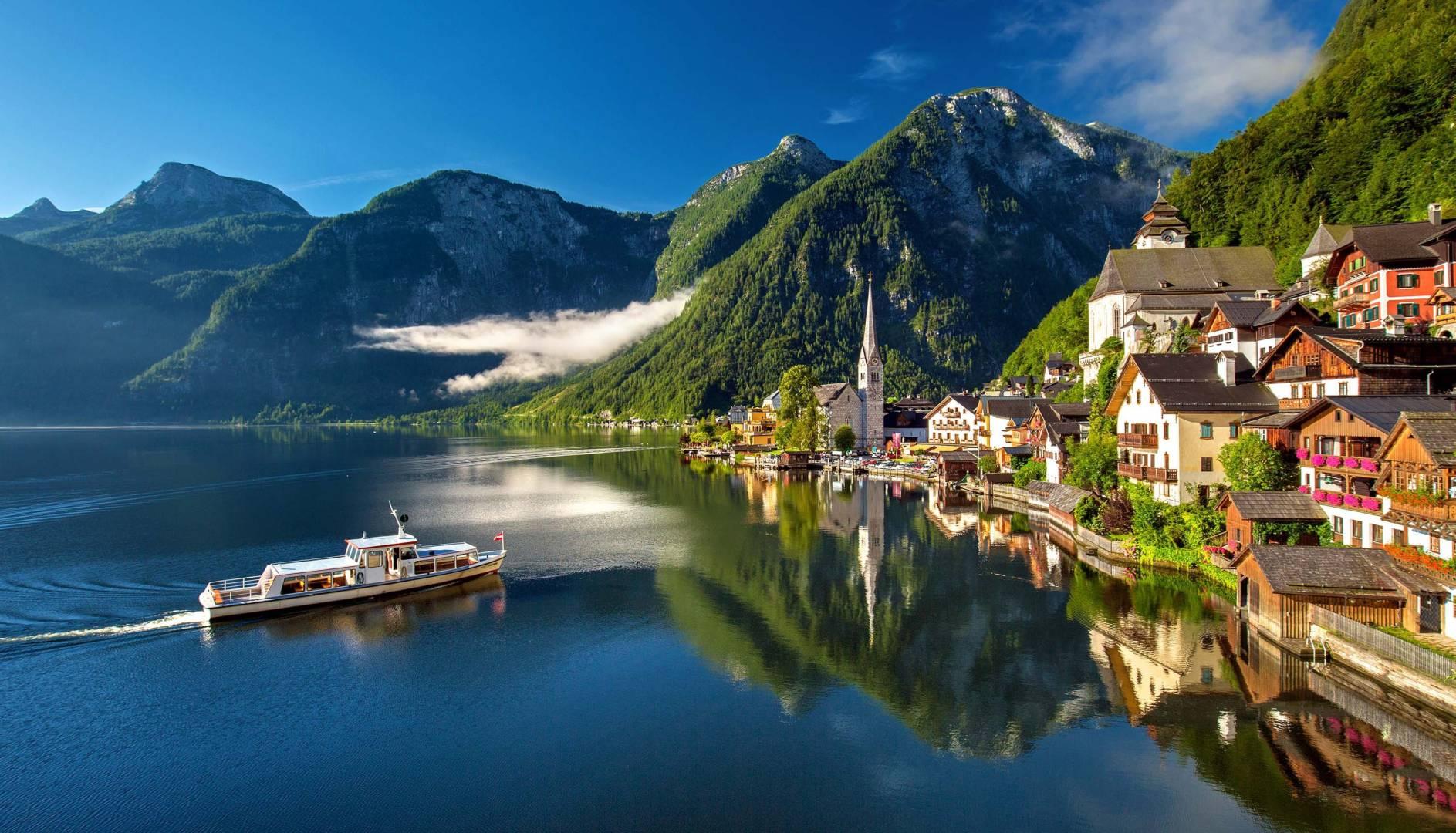 Custom-Travel-Planner-Network-Austria-hallstatt