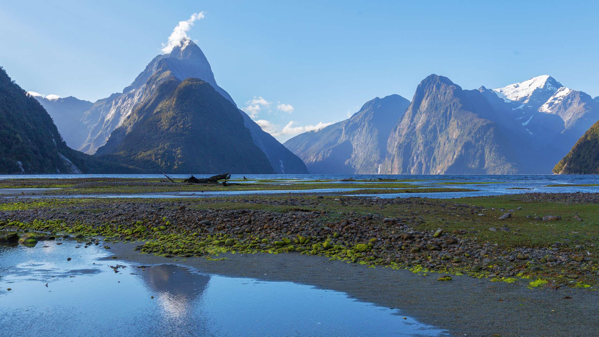 Custom-Travel-Planner-Network-New-Zealand-Milford-Sound